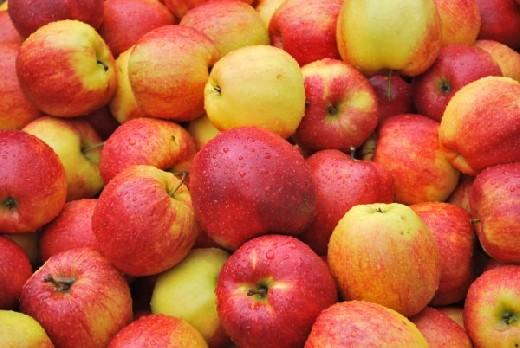 Медики заявили о способности яблок сокращать риск болезней сердца