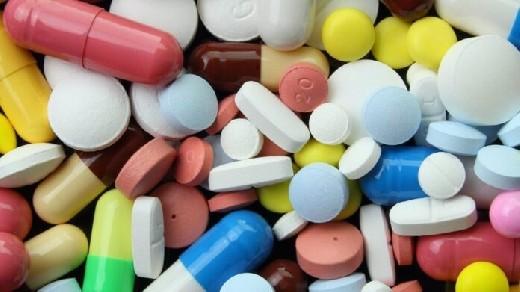Названы лекарства и препараты, не сочетаемые друг с другом