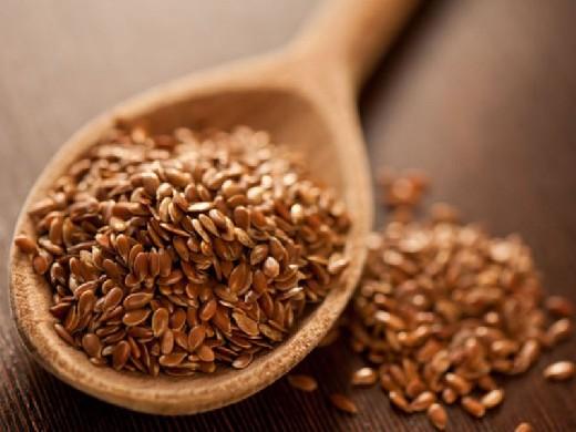 Онколог Смирнова рассказала, когда могут вредить семена льна