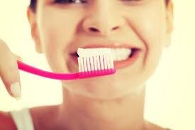 Почему желтеют зубы