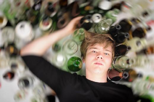 Лекартство от деменции устранило последствия подросткового пьянства