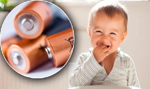 Ребенок проглотил батарейку? Срочно дайте ему мед!