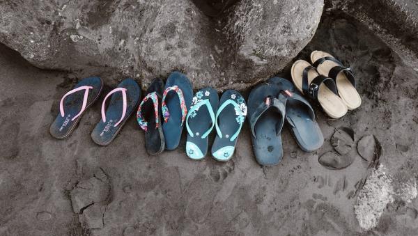 Врачи назвали вредную летнюю обувь