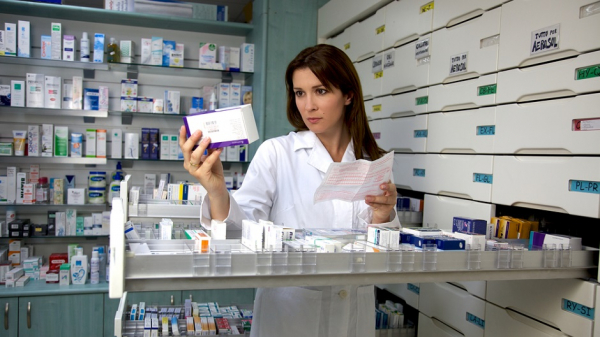 В аптеках России начались продажи препарата от коронавируса «Арепливир»