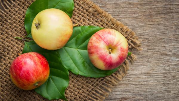 Яблоки помогают нормализовать давление