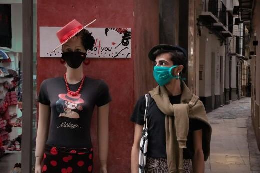Тканевые маски не защищают от заражения коронавирусом