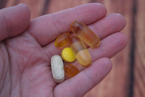 Прием витамина D для защиты от ковида признали бесполезным
